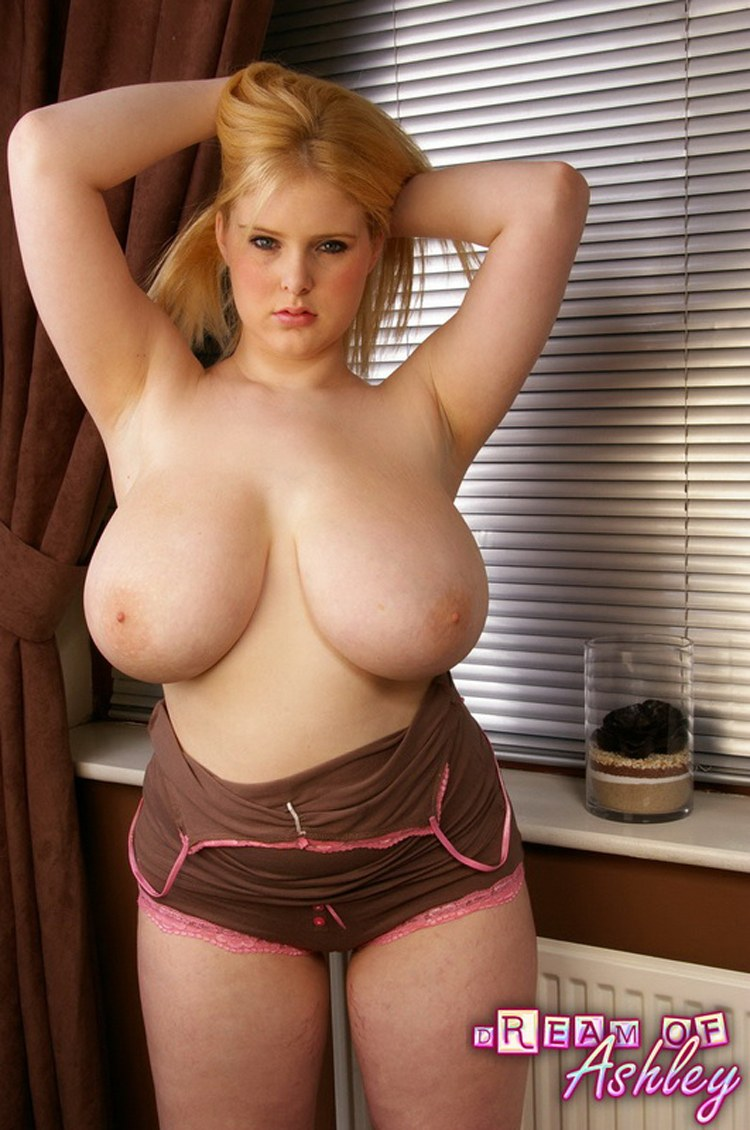 Big tits small shirt