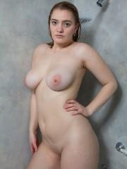 enormes-pechos-mojados-08