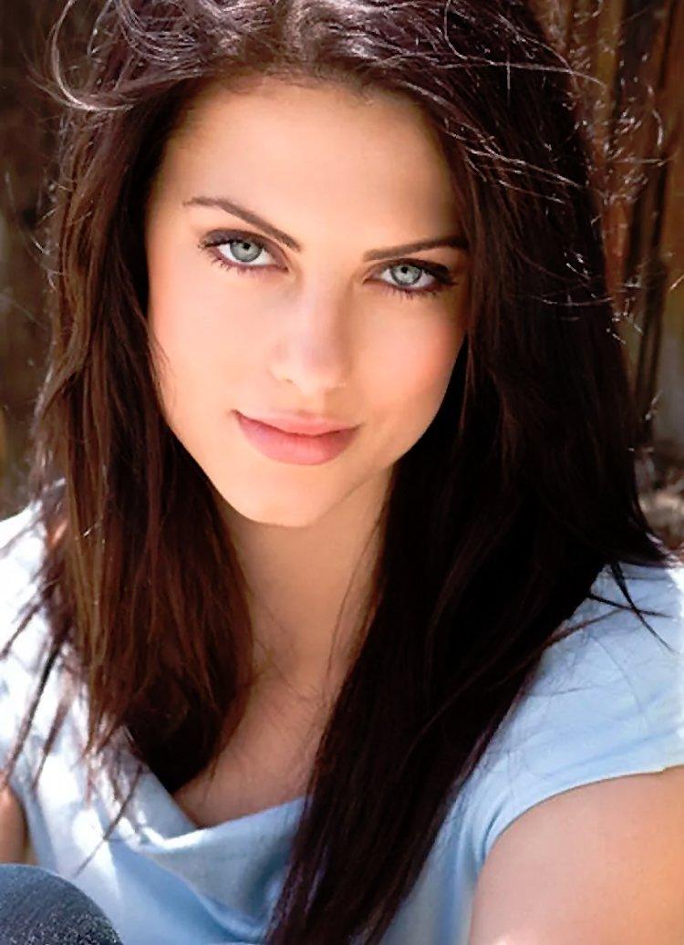Las mujeres más bellas con ojos azules