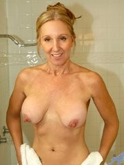 Milf con grandes tetas Jenna Covelli